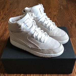 Dover street market Nyc Nike Jordan 2  😱limited !